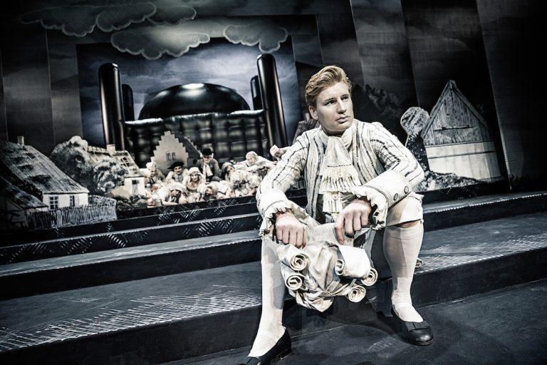 Andreas Jebro - Erasmus Montanus (Aarhus Teater 2017)