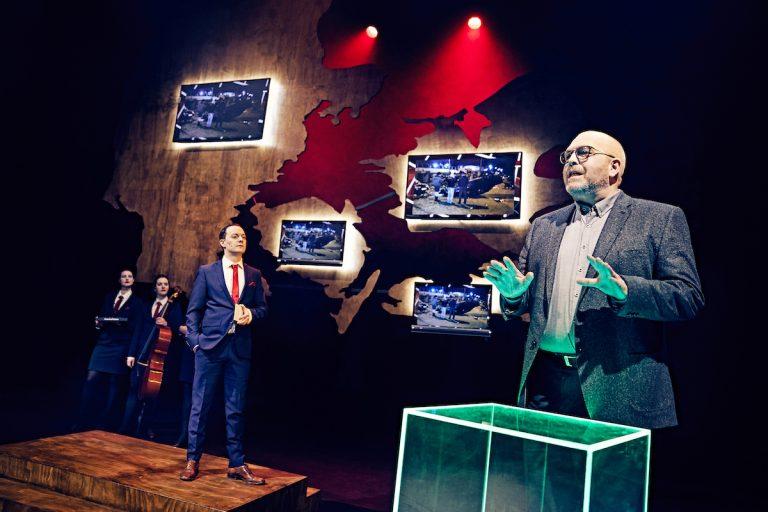 Død over eliten - Odense Teater
