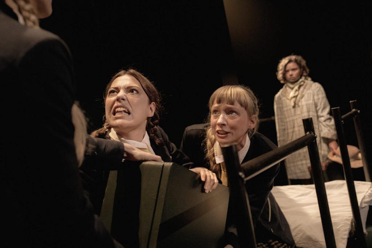 Mælkebøttereglementet - Teatret Zeppelin