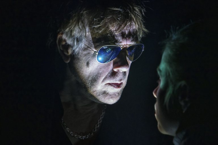 Jan Sonnergaard er ikke død - Mammutteatret