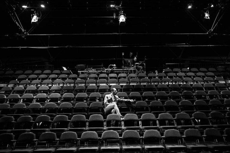 Sargun Oshana - Teater Republique