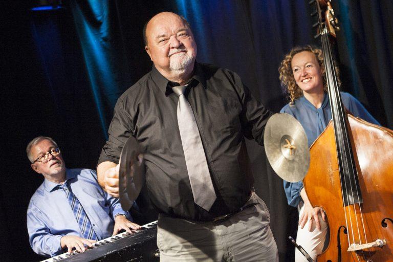 Flemming Jensen - Den komiske uskyld - Café Liva